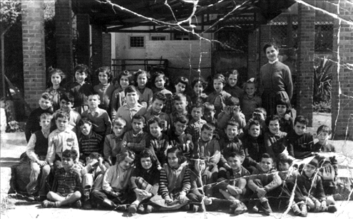 Eli Even (Abu) in the first grade- class photo